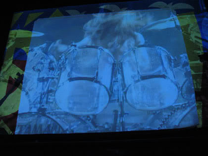 Yoshiki banging